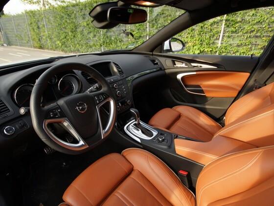 Insignia ST (Opel Insignia - Sports Tourer)