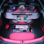 Kofferraum Ausbau mit Be und Entlüftung der audio system amp's